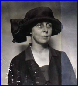 Cassandra (Small) Franklin photo from 1922 Passport (Source: Ancestry.com)