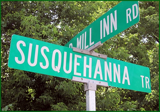 Susquehanna Trail road sign in York County, PA (2014 Photo, S. H. Smith)