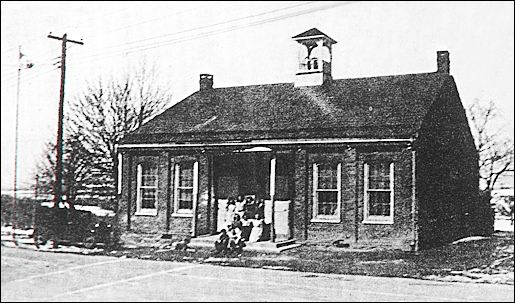 Glades Two-Room Schoolhouse (ca 1940 Photo from Collections of Springettsbury Township Historic Preservation Committee)