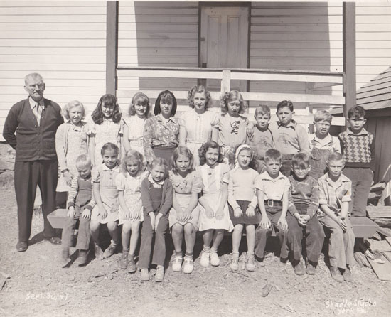 Students at Glen Allen (Hake's) one-room school, September 1947