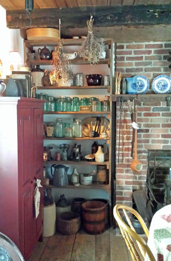 Part of kitchen of Mudd House