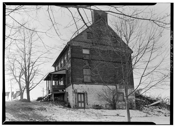 South and east view of the Willis House, 190 Willis Road, York PA. Library of Congress image 1933.
