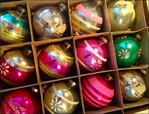 Box of a dozen Glass Shiny-Brite Christmas ornaments (Pinterest photo)